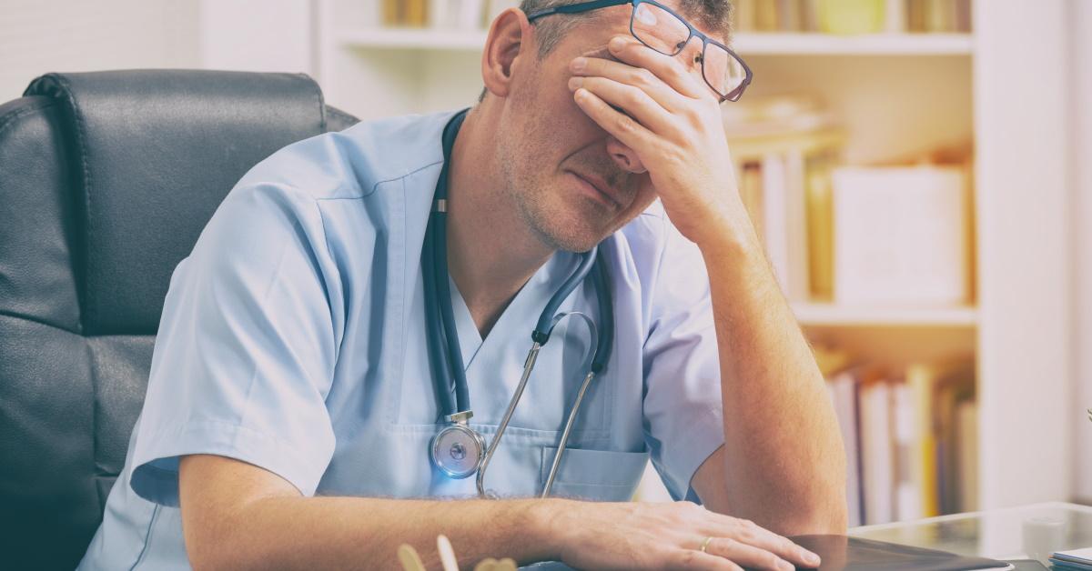 Los médicos alertan sobre una situación muy difícil dadas las bajas retribuciones